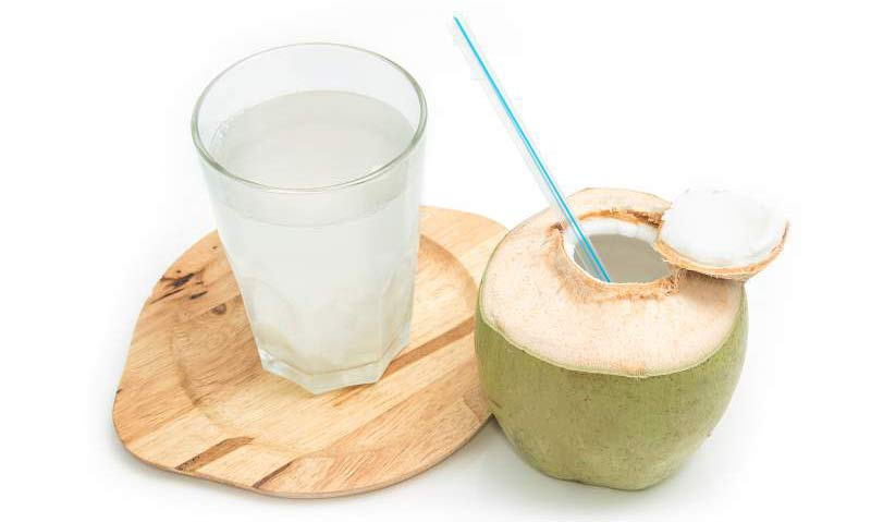 coconut water for weight loss-benefits how to use and reviews
